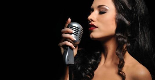 Как самостоятельно научиться красиво петь