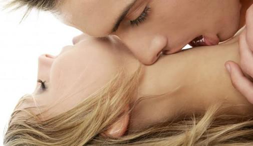 Как лучше научиться целоваться