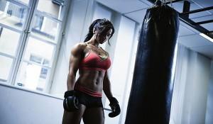 Как девушке научиться драться в домашних условиях?