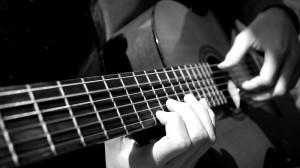 Как научиться играть перебором на гитаре?