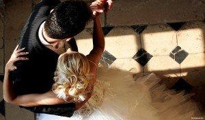 Как научиться танцевать вальс дома?