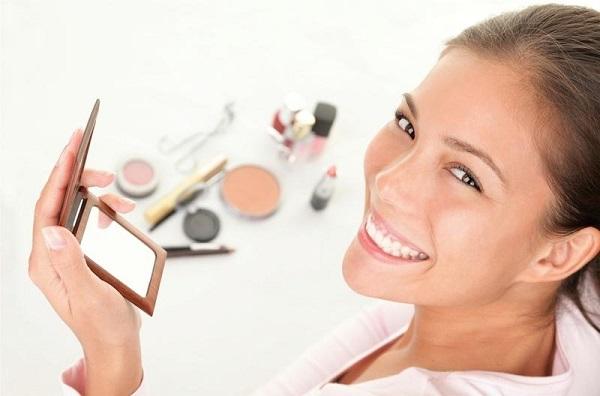 Как правильно самостоятельно делать макияж